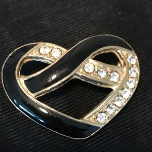 Jewelry - ‼️VINTAGE Enamel Flowing Heart Brooch